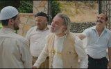 Düğün Dernek - Bayram Namazı Sahnesi
