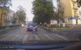 Rusya'da Motosiklet Çocuklara Çarptı