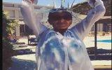 Özge Ulusoy'un ALS Hastaları İçin Başından Aşağı Buzlu Su Dökmesi